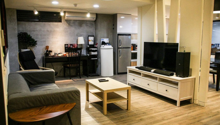 5 Popular Types of TV Stands